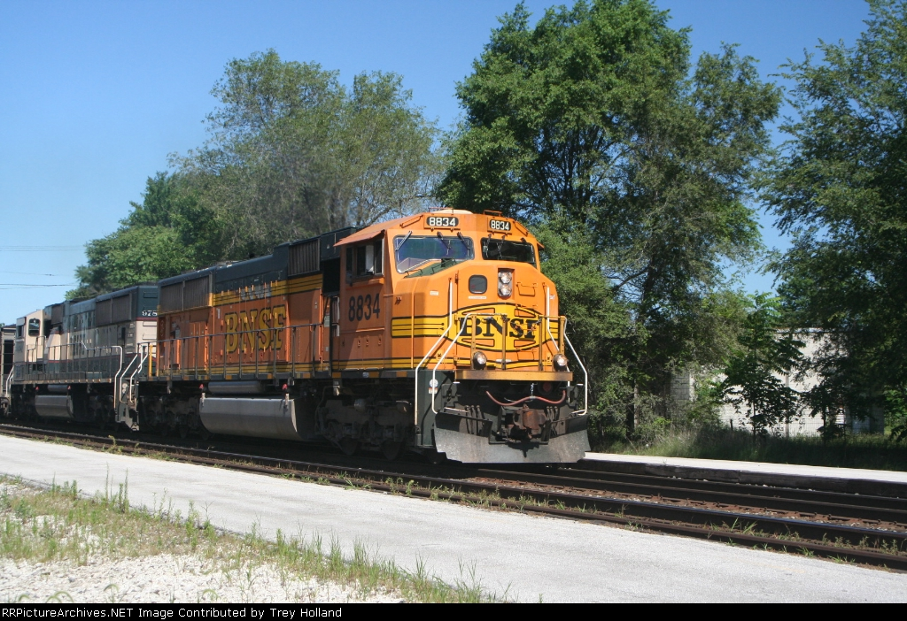BNSF 8834