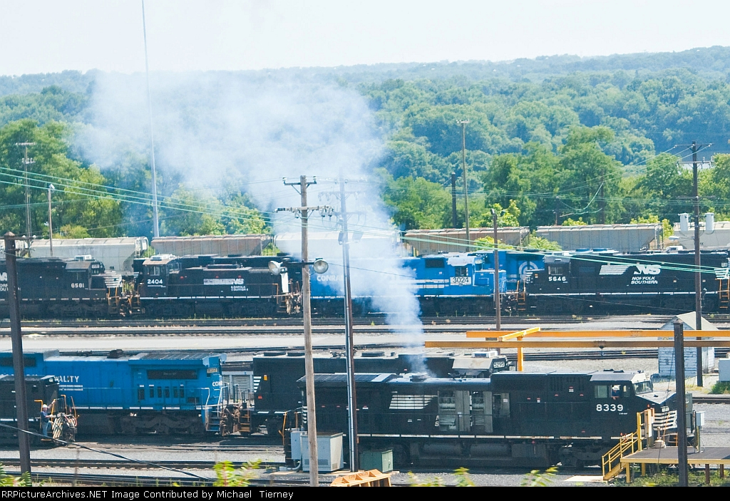 NS C40-8W load testing.Funny ive seen GEs smoke this much under a normal load