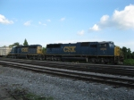 CSX O842-30 screams by on the Yeoman Bypass