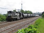 H2A heads west past Hershey Park with 10 cars for the syrup plant