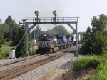 NS 215 heads past the southbound signal bridge