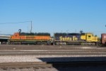 BNSF 3201 & BNSF 8717 Working The BNSF Yard
