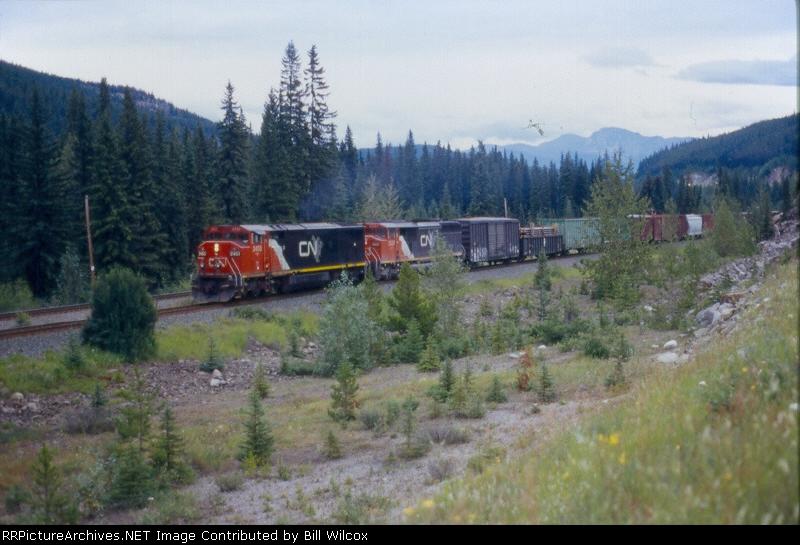 CN 2453 & 5537 eastbound