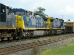 CSXT GE AC4400CW's 526 & 458