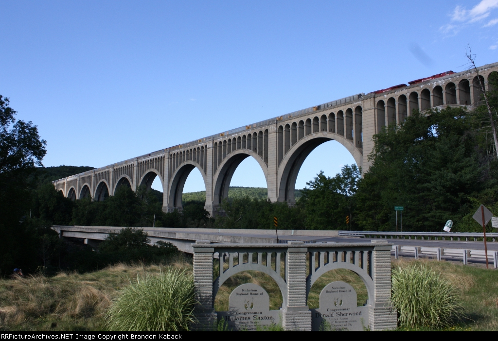 CP 256 Over the Viaduct