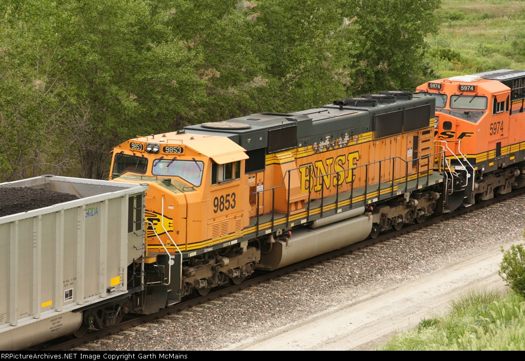 BNSF 5937 East DPU