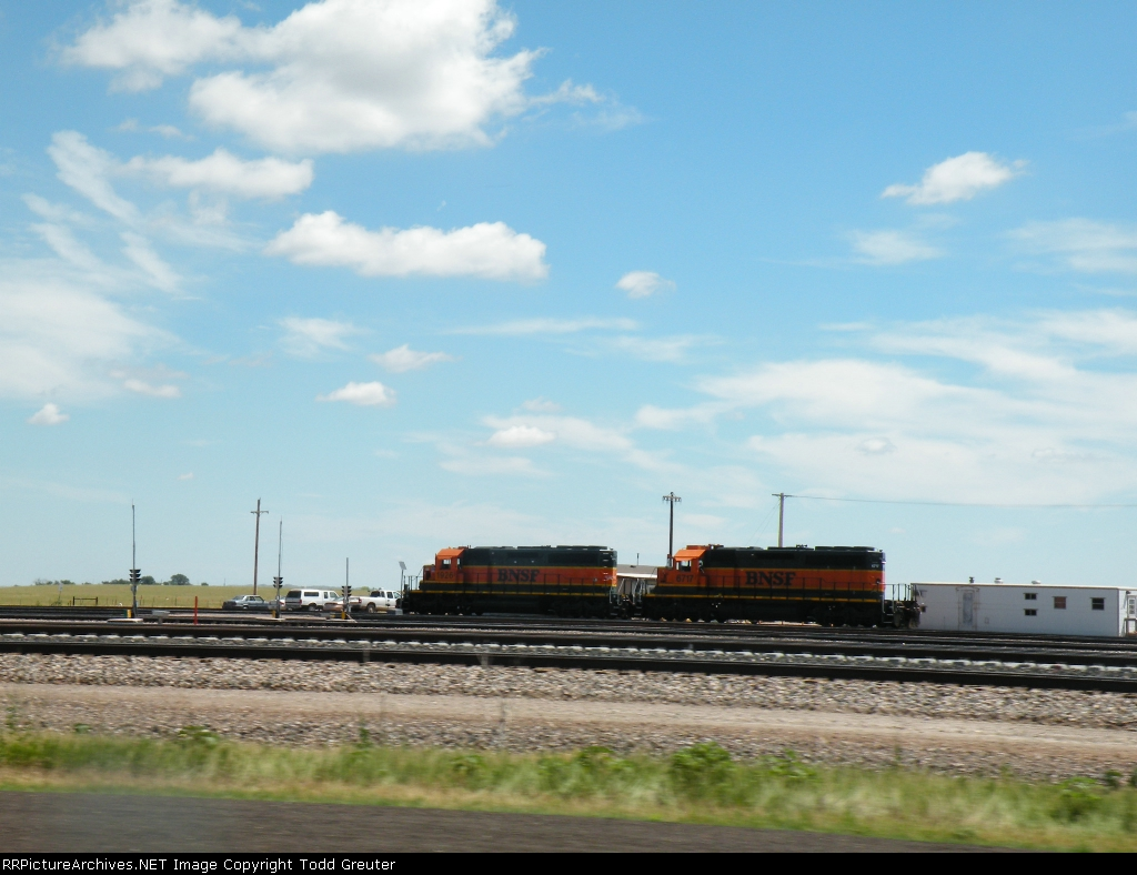 BNSF 1926 & 6717