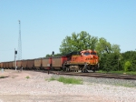 BNSF 6202 pulls into Anselmo