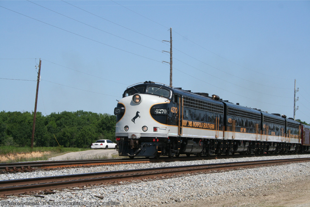 NS 4270, 4275, 4276 and 4271 are the power for Norfolk Southern Train 951