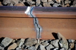 How to remove used welded rail.