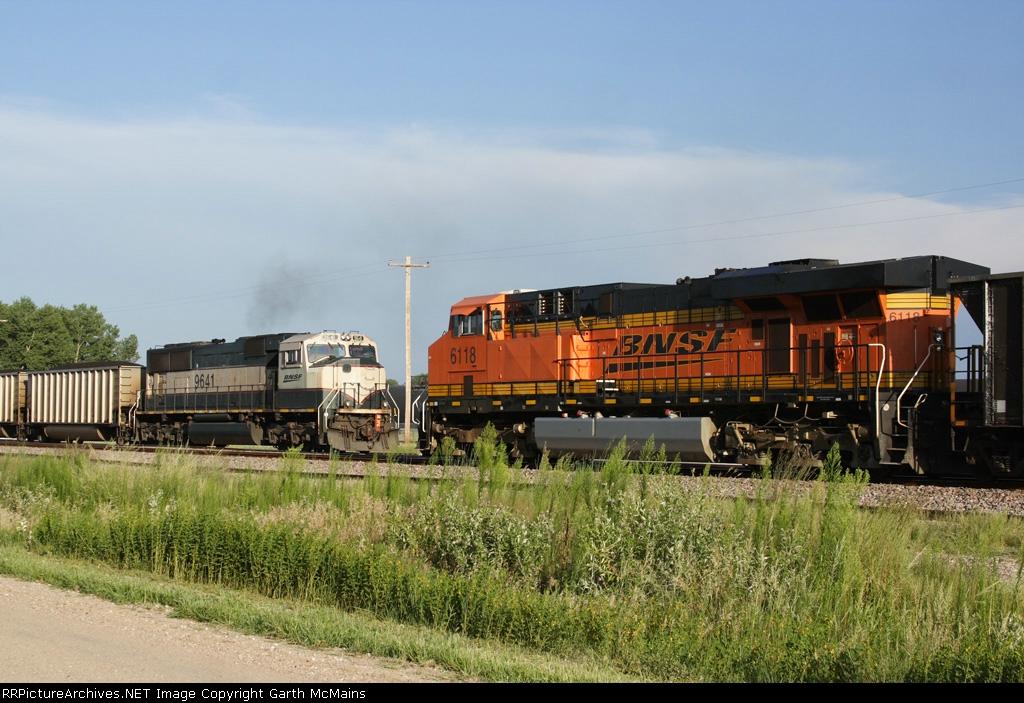 BNSF 6336 West DPU meets BNSF 5910 East DPU