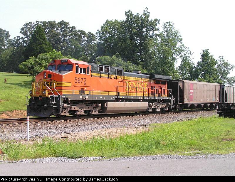 NS 736 DPU BNSF 5672