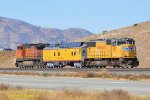 UP 4655 (SD70M) along with UPP Instrument Car 210 and BNSF 5164 (C44-9W) are testing the two different types of PTC systems on Tehachapi. 10/26/2018
