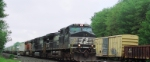 NS 9475, 9357 and BNSF 7804