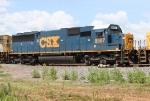 CSX 8587 on Q542