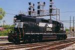 NS GP38-2 5566