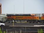 BNSF ES44DC 7829