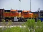 BNSF ES44DC 7685 & BNSF SD75M 8268