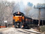 B&LE 852 leads a southbound ore train on the Hogback bridge