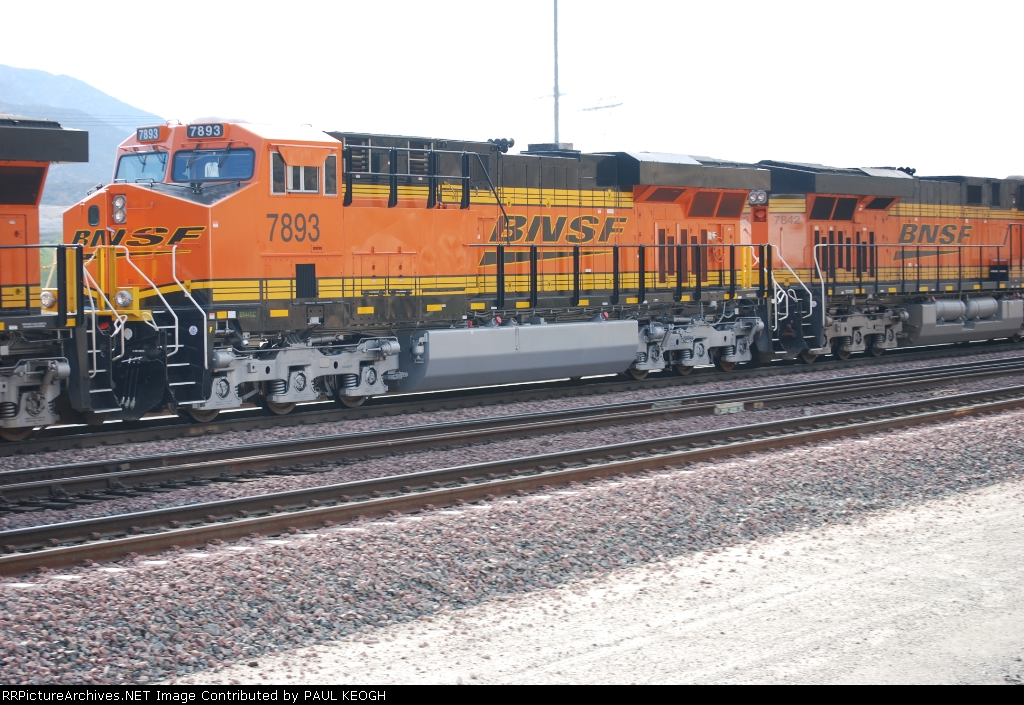 BNSF 7893 with BNSF 7842 go by me on Main 1 as they ascend towards Sullivans Curve going eastbound.