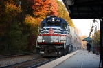 V05 Leading Train Southbound Train 327 at Rolling Rd station - a little Fall color left