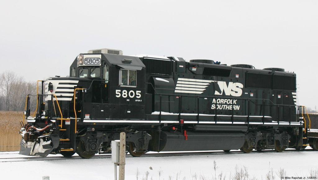 NS GP38-3 5805