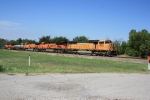 BNSF 8806 leads an eastbound with a bunch 'o power