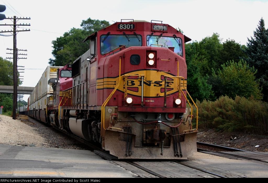 BNSF 8301 & 676