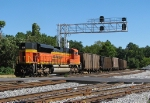 BNSF 9378 shoving on the rear