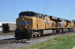 UP 7686 leads NS train 225 at 32nd st