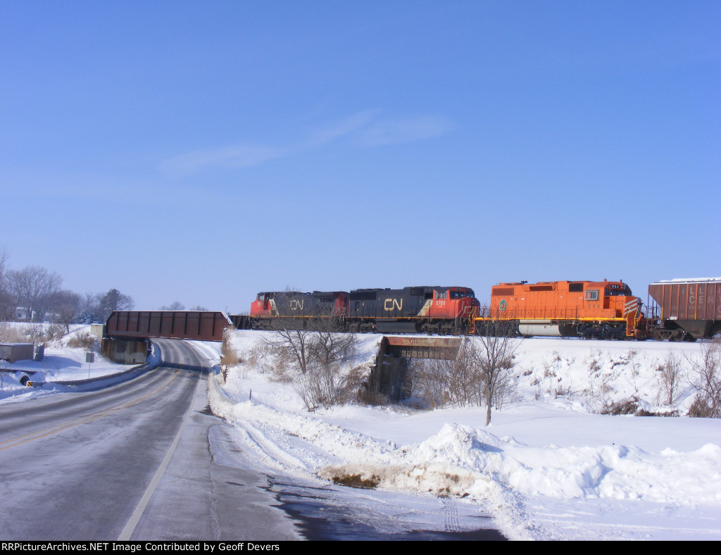 CN 2613