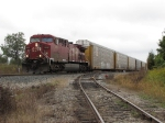 CP 8512 crawls past the spur to Elston Richards with X500-15