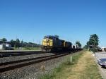 CSX 7707 & a stack train