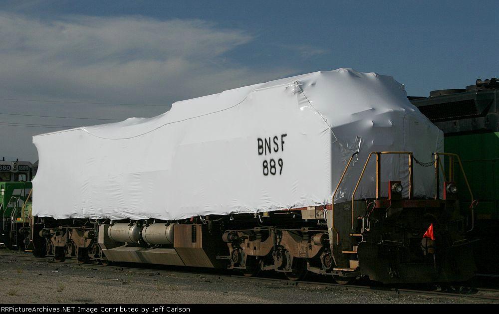 Shrink-wrapped BNSF #889