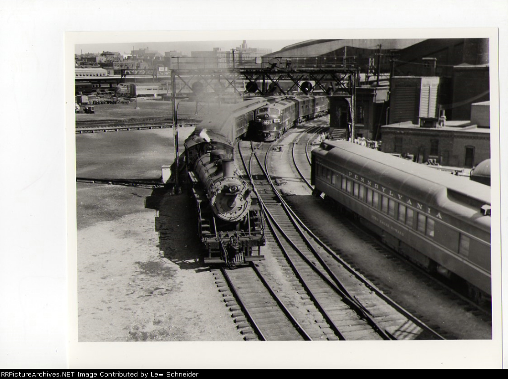 Burlington Pacific #2830 heads north with Train 47 to Minneapolis
