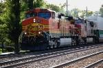 BNSF 4889 & 698