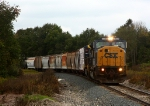 CSX 4600 picks up speed as it rolls east with L326