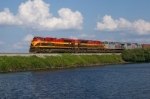KCS 4043 leads northbound freight along Cross Lake