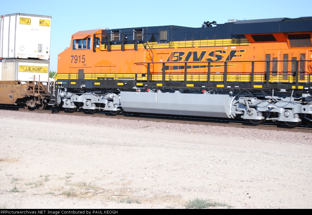 BNSF 7915 rolls eastbound with a Z-Train as she starts to slow down for the yard.