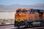 BNSF 7894 rolls west out of the BNSF Barstow yard leading a westbound Z-Train towards LA.