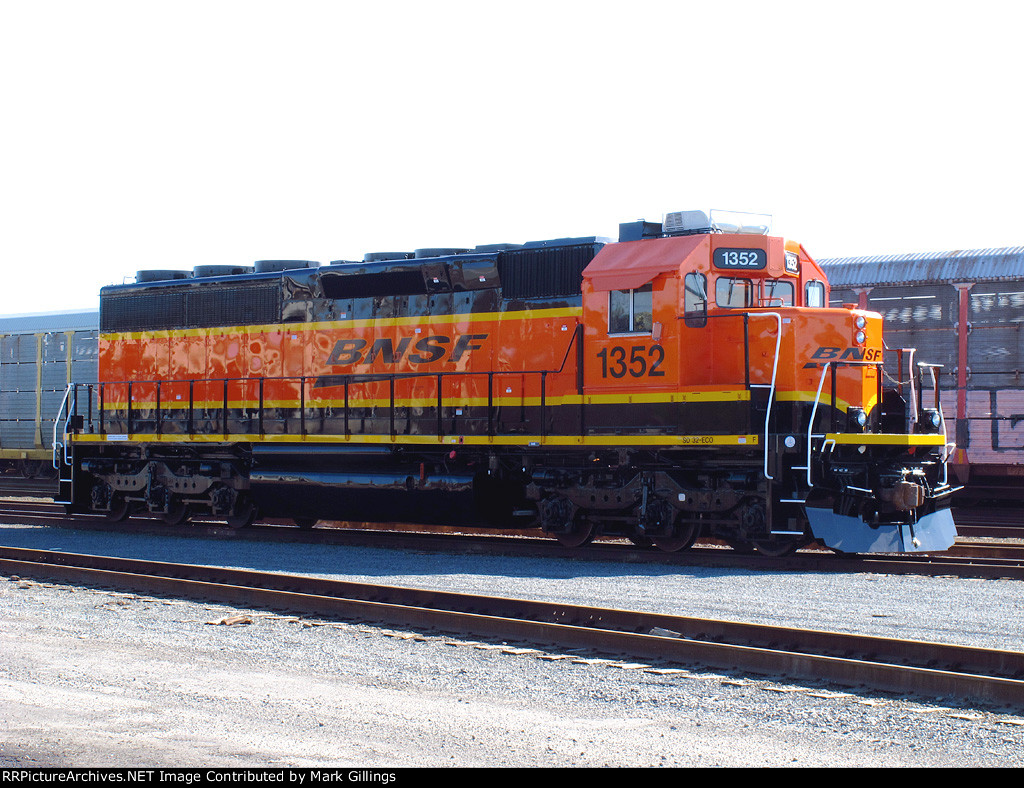 BNSF 1352