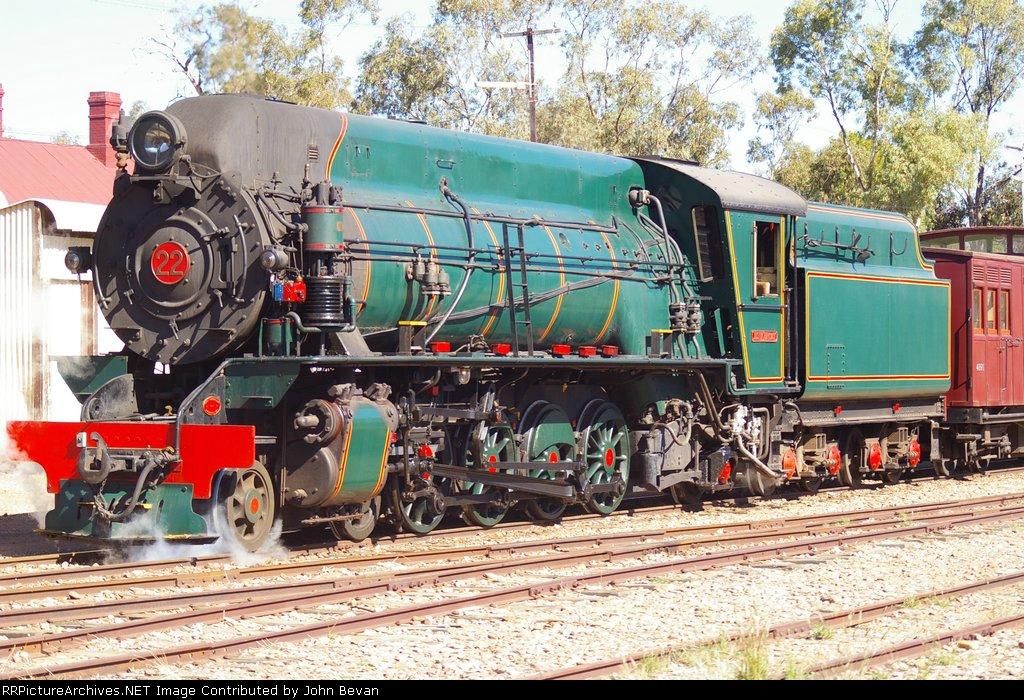 W22 4-8-2 Steam Loco
