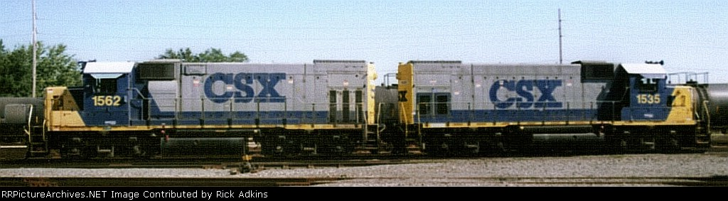 CSX 1562 and 1535