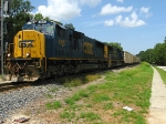 CSXT 4697 leads O842 across Valrico Road, S 832.52