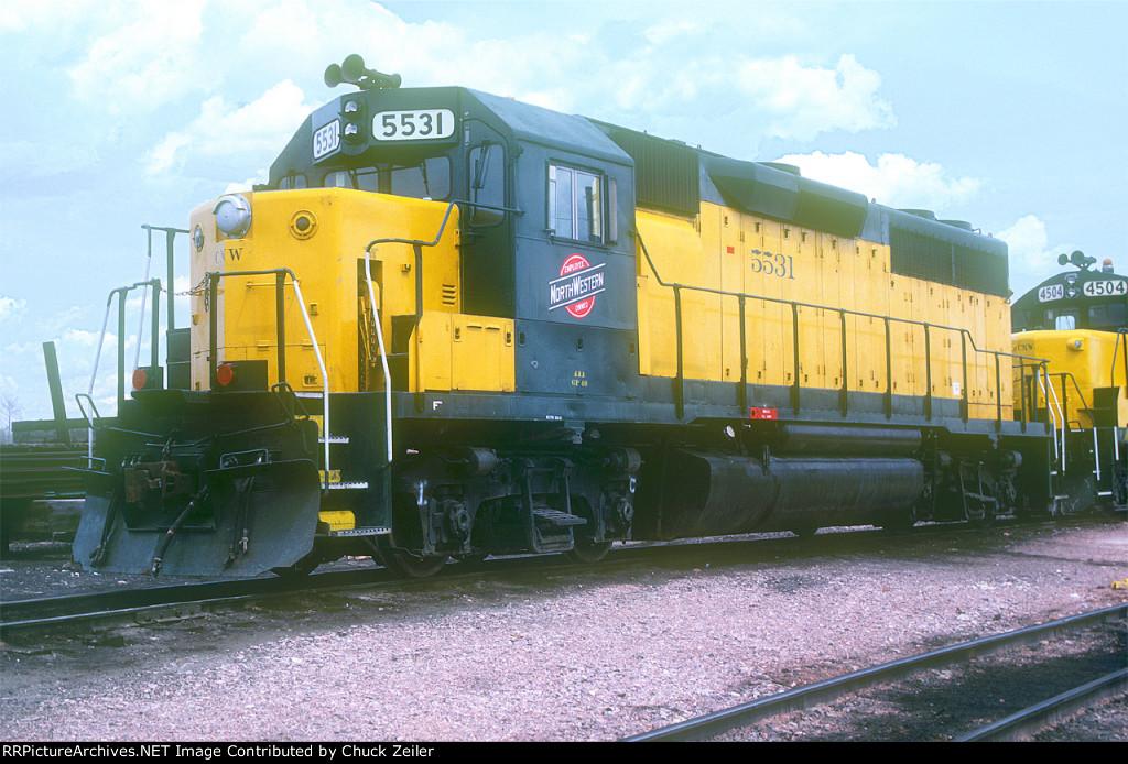 C&NW GP40 5531