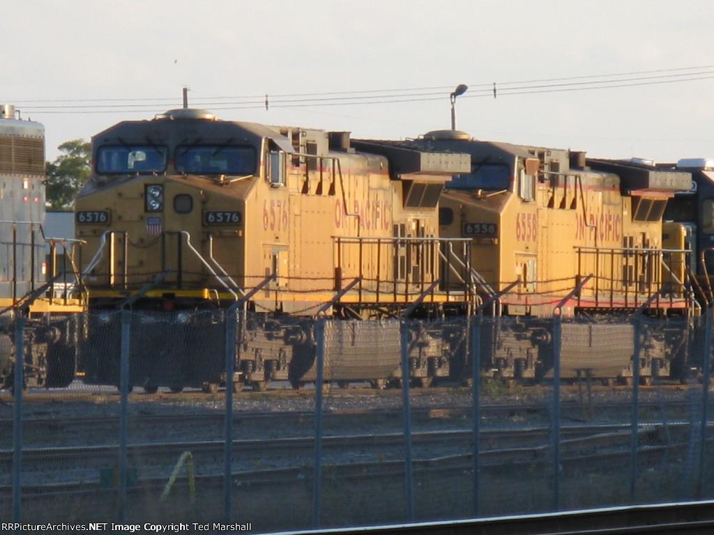 UP 6576 & 6558