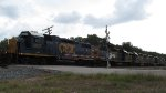 CSXT 2617 Leads three more Geeps and two Dash-8s on Q453