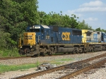 CSX 8717 in the lead on Q604