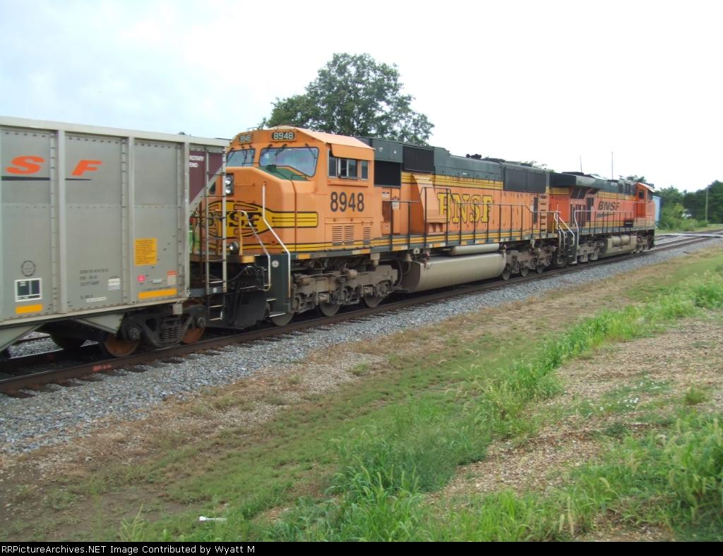 BNSF 8948