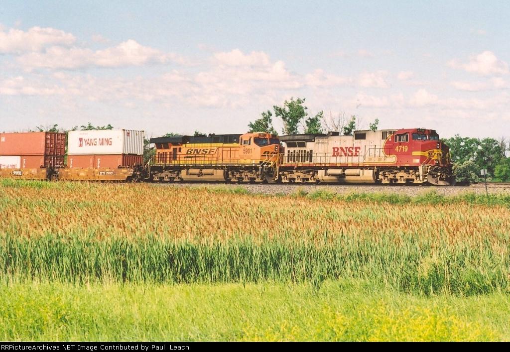 Tied down intermodal in siding